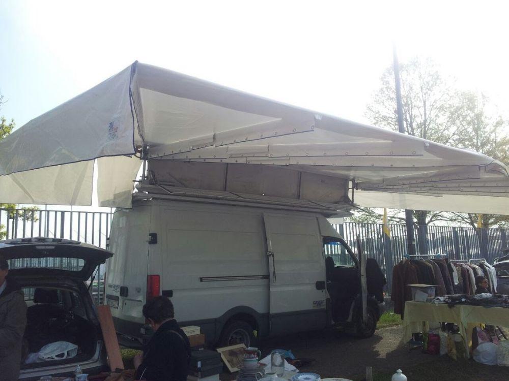 Tenda automatica per ambulanti for Vendo stock mobili