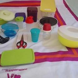Tupperware €100 - Cadelbosco di Sopra Stock di 15 pezzi...