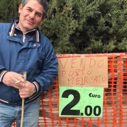 vendesi mercato pompei venerdi😂😂😂 €2 - Pompeii, Napoli, Italy