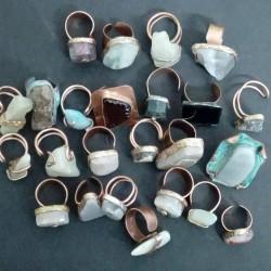 25 anelli con pietre naturali €100 - Solofra lotto 6...