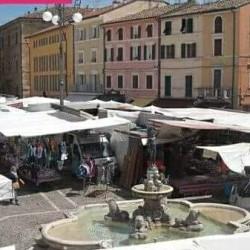 Mercato fano mercoledi €1 - Teatro della Fortuna