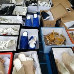Stock scarpe €1 - Zona Industriale Vendo stock scarpe non...