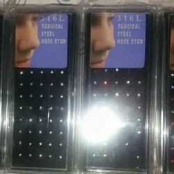Orecchini €40 - Avvocata 300 paia orecchini misti 60 piercing...