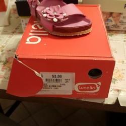 Stock scarpe bimbo €12 - Piemonte Stock di 159 paia...