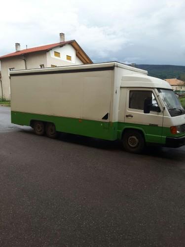 Autonegozio for Vendo stock mobili