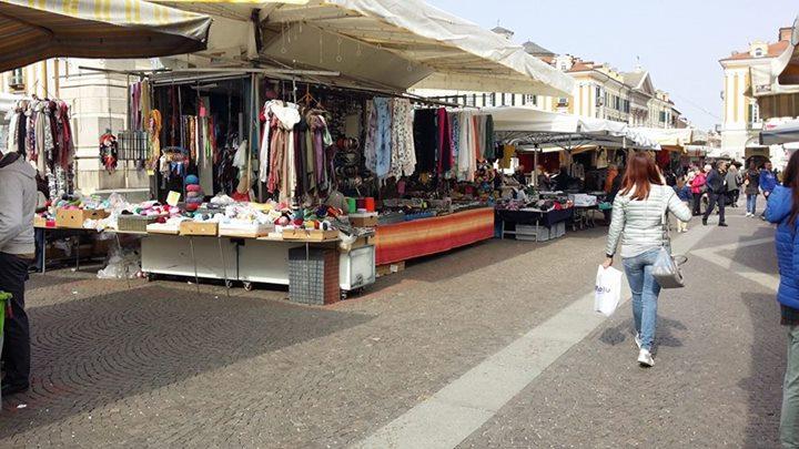 Il bellissimo mercato del martedì di Cuneo