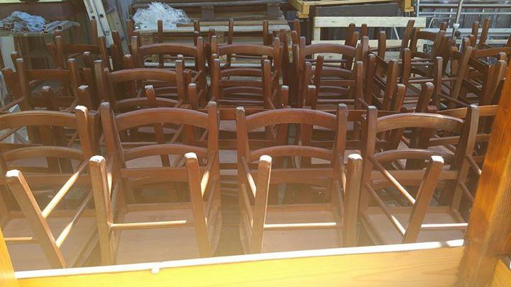 Vendita Stock Sedie Legno.Stock Tavoli E Sedie Per Locali In Legno Massello