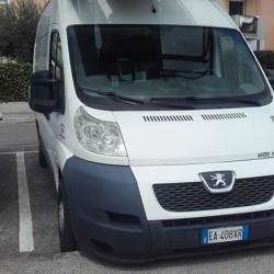 Veicoli furgoni autonegozi per ambulanti a a a for Negozi arredamento treviglio