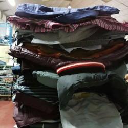 Cerco personale specializzato nel settore indumenti usati ,smistatori di seconda...