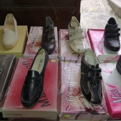 Vendo Stock Scarpe e Calzature   A.A.A. Annunci AmbulAnti
