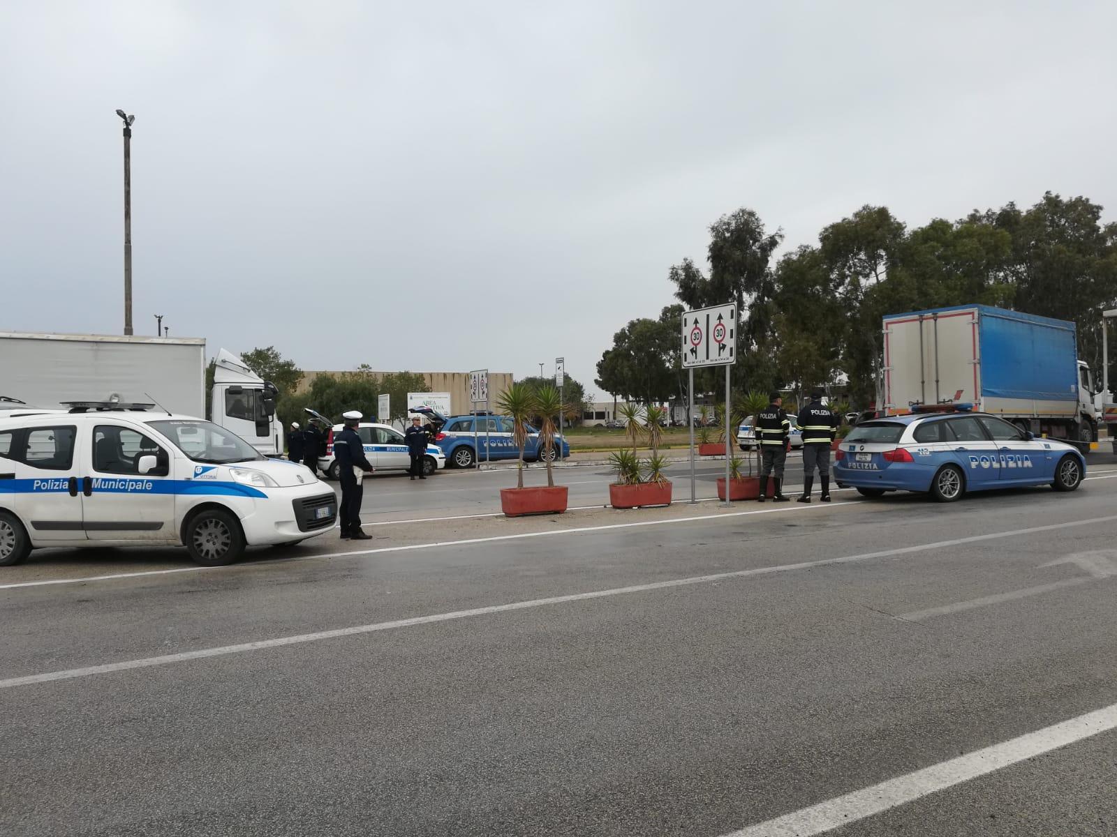 polizia controlli mercato vittoria ragusa