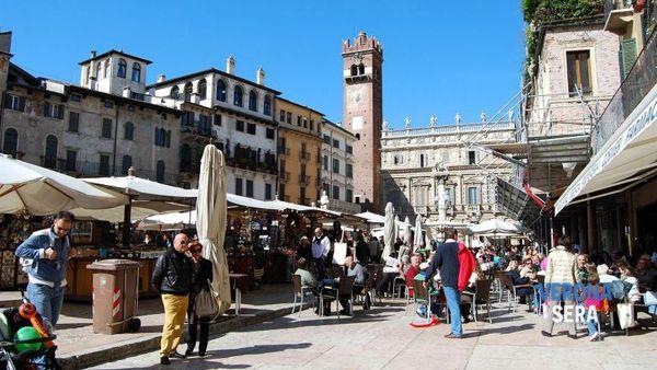 verona-piazza-erbe-mercato