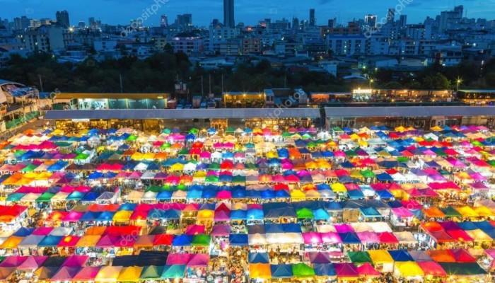depositphotos_115955416-stock-photo-night-market-in-bangkok