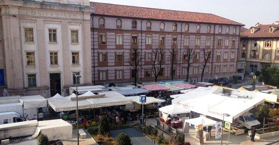mercato-ambulante-Alba